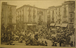 Clancy-pics-market-place-in-Figueras-Spain-small