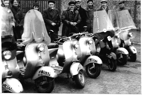 A picture of the participants of the first Ulster Vespa Club run to Donaghadee on 27th December 1954